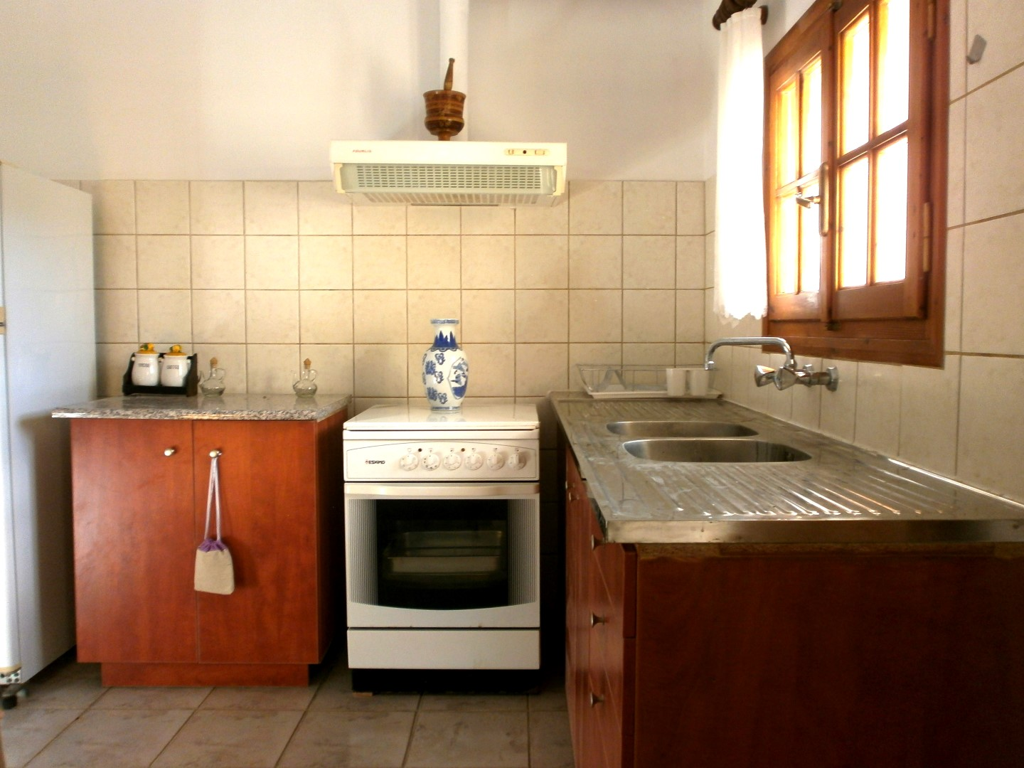 A kitchenette in every one room apartment with all the necessary utensils